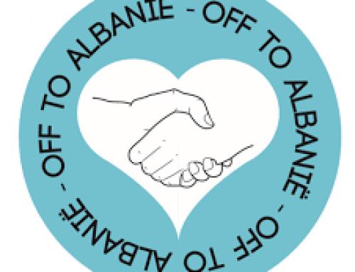 Jongeren hulp reis naar Albanie